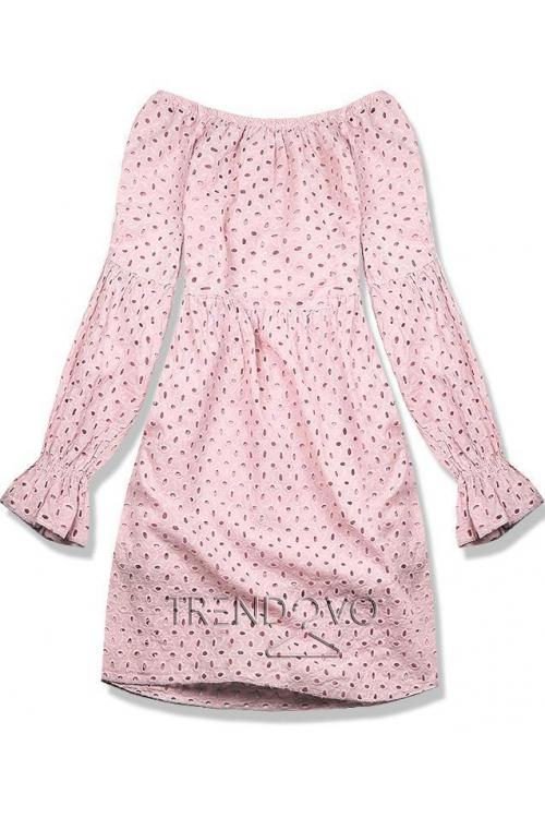 Ružové šaty z dierovaného materiálu